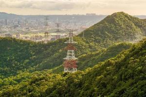 högspänningstorn i Taipei, Taiwan foto