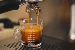 närbild och makro crema kaffe skott foto