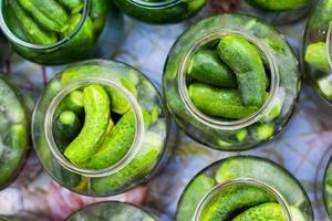 burkar med pickles foto