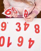 barn lära sig siffror foto