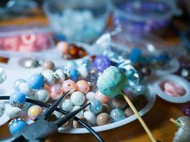 pärlor för smycken hemma