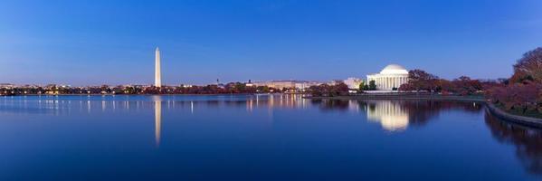 Jefferson Memorial och Washington Monument, Washington DC, USA foto