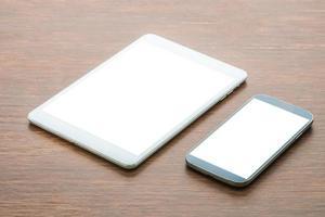 surfplatta med smart telefon foto