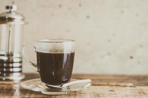 svart kaffe i kaffekoppen