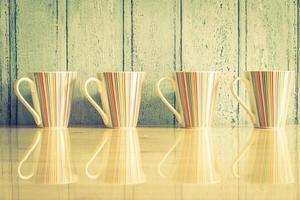 färgglada kaffekoppar