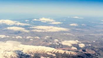 Flygfoto över bergen foto