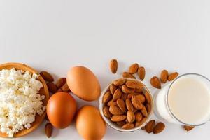 proteinmat på en vit bakgrund foto