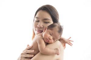 mor och nyfödd dotter foto