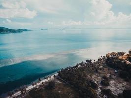 Flygfoto över havet på Koh Samui Island, Thailand foto