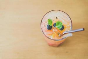 blanda frukt moctails drink
