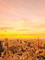 Tokyo stad vid solnedgången