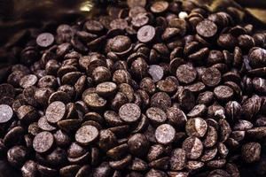 närbild av chokladflis foto
