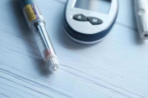 närbild av diabetiska mätverktyg