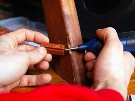 restaurering av träprodukter foto