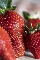 stängd upp av färsk jordgubbe foto