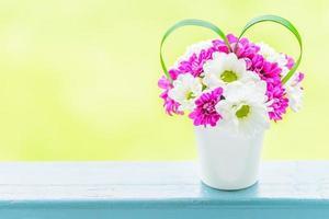 blomma med kärlekstecken foto