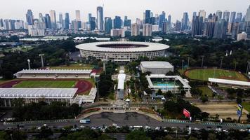 jakarta, indonesien 2021- fotbollsstadion i gelora bung karno i centrala jakarta foto