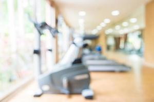 abstrakt oskärpa fitness gym och utrustning bakgrund foto