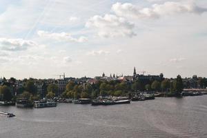 amsterdam, Nederländerna 2015 - Flygfoto över floden i Holland foto
