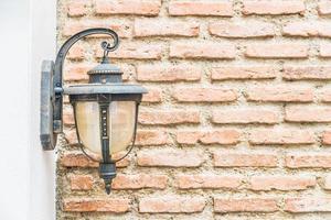 vintage ljus på väggen foto