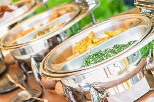 selektiv fokuspunkt på catering buffémat i restaurangen foto