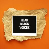 hör svarta röster protestera tecken foto