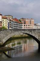 broarkitektur i bilbao city, spanien foto