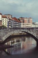 byggnadsarkitektur i bilbao city, spanien, resmål foto