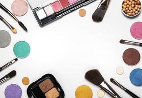 ram av kosmetika med kopia utrymme foto