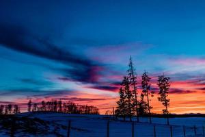 solnedgång på ett spår foto