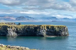 vacker utsikt från västkusten på Island foto