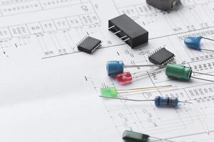 närbild elektroniska komponenter foto