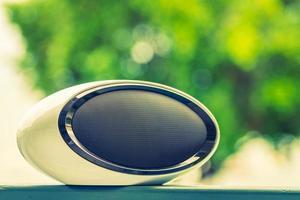 högtalare med utomhusvy - vintage filter foto