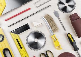 verktyg på skrivbordet foto