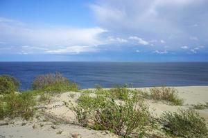 öde marinmålning på Östersjön och sanddynerna foto