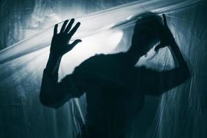porträtt av en person med psykisk störning foto