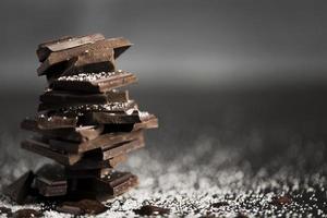 bitar choklad hög kopia utrymme. vackert fotokoncept med hög kvalitet och upplösning foto