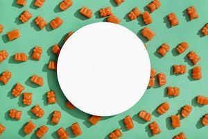 ovanifrån gummy bears med kopia utrymme. vackert fotokoncept med hög kvalitet och upplösning foto