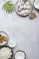 kokosnötsingredienser med kopieringsutrymme foto