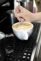 utsökt kaffe och lattefoton foto