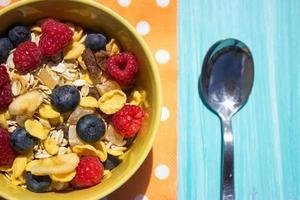 hälsosam frukost med spannmål foto