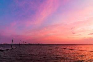 tokyo vik med vacker solnedgånghimmel foto
