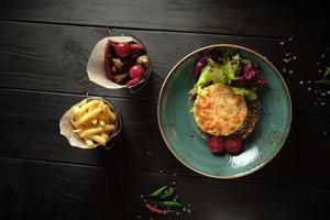 civic och aptitretare bollar av grönsaker catering meny foto