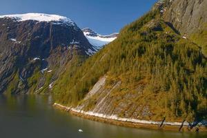 landskap vid tracy armfjordar i alaska usa foto
