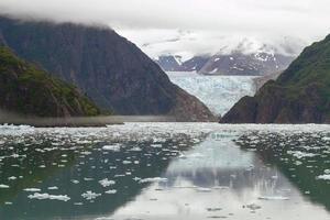 tracy arm fjord och sawyer glaciär alaska foto