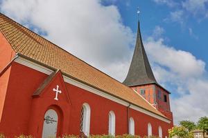 utsikt över svaneke kyrka på ön bornholm i danmark foto