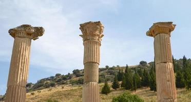 forntida ruiner och kvarlevor i Efesos Turkiet foto