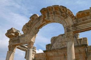 Hadrians tempel i den gamla staden Efesos i Turkiet foto