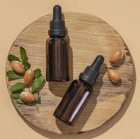 platt sortiment av vårdprodukt för arganolja foto