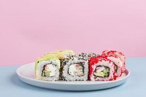 kreativt arrangemang av utsökt mat foto